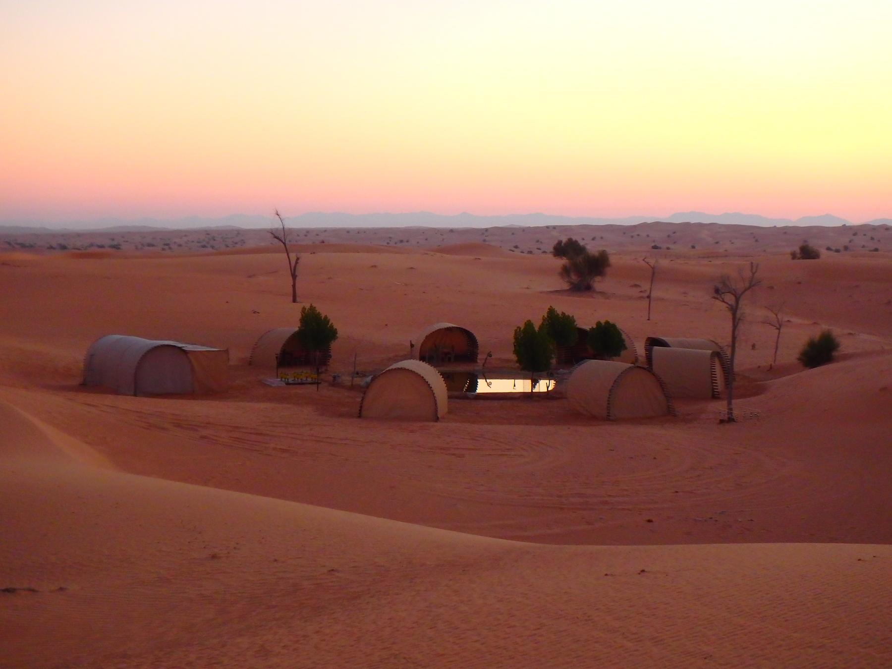 Quelle âme revêtir dans cette immensité ocre du désert ?